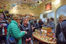 Many happy customers learning about the Paso Robles co-op